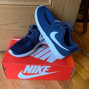 Nike Roshe One Navy - 4Y